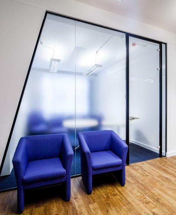 Benefícios da divisória de vidro